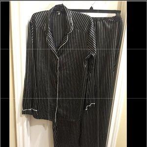 ❤️NWT. Silky Black/white Striped 2 Pc PJ Set